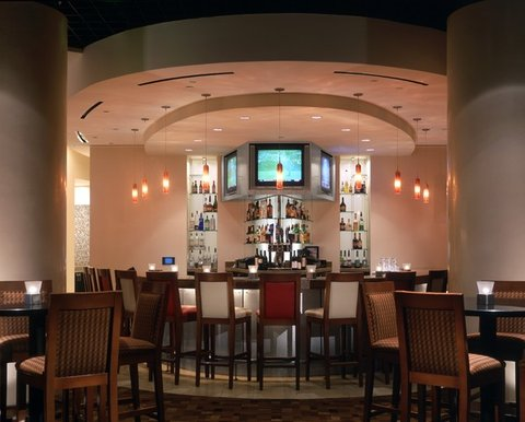 bar at hyatt regency dfw. Black Bedroom Furniture Sets. Home Design Ideas